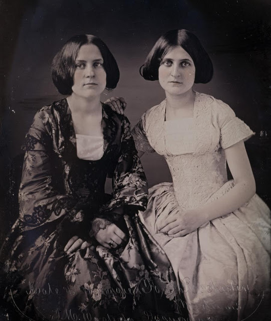Η ιστορία δύο κοριτσιών που μιλούσαν με τους νεκρούς και πυροδότησε το μεγαλύτερο θρησκευτικό κίνημα του 1800